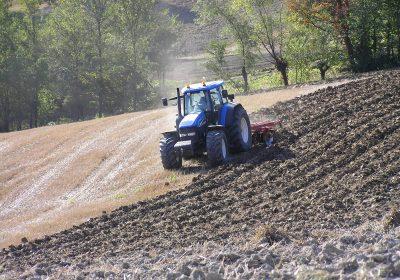 Резултат слика за Zemljoradničkim zadrugama pet miliona dinara subvencionisanih sredstava iz budžeta opštine